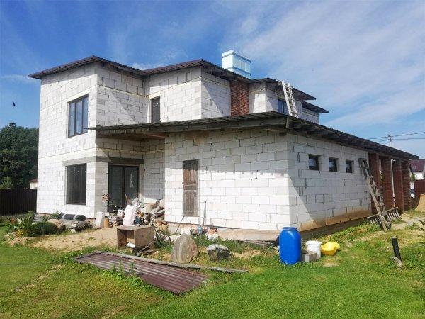 Дом в поселке Ждановичи